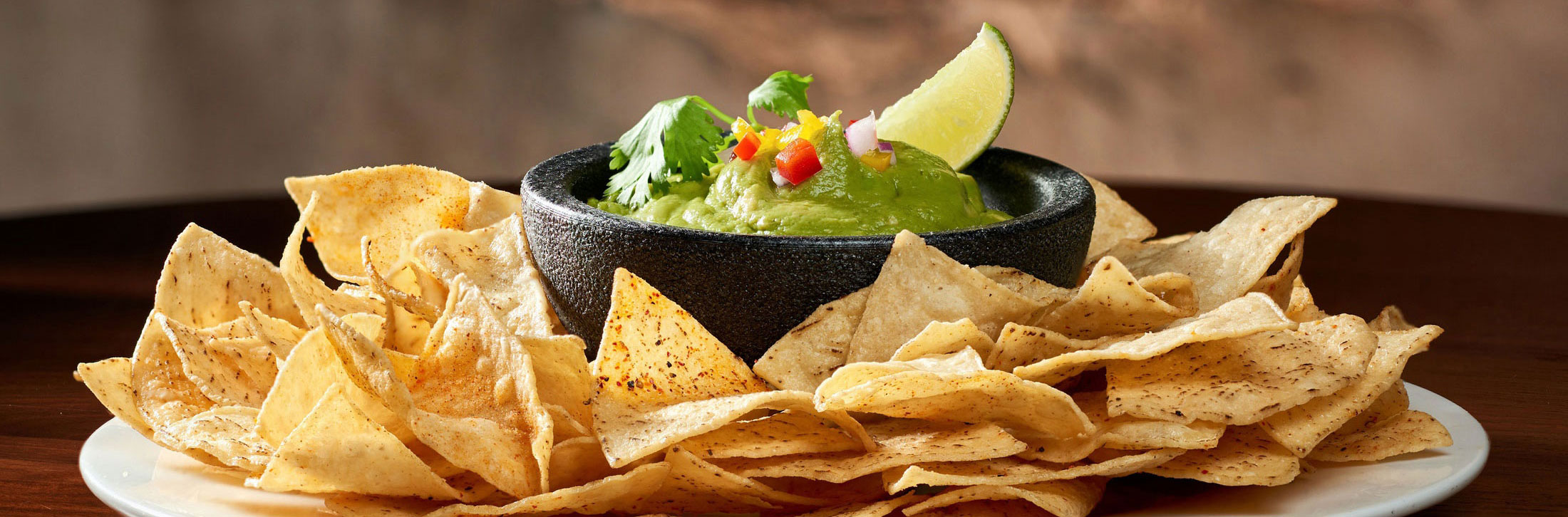 2xWide_aaronvan_food_photography_edison_guacamole_chips