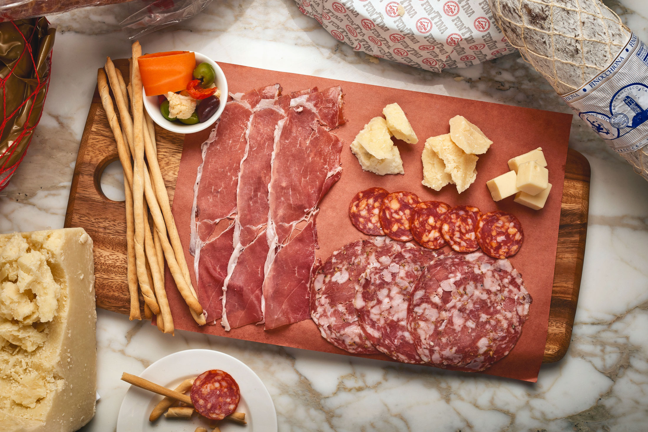 aaronvan_food_photography_enzos_hideaway_meat_cheese_board