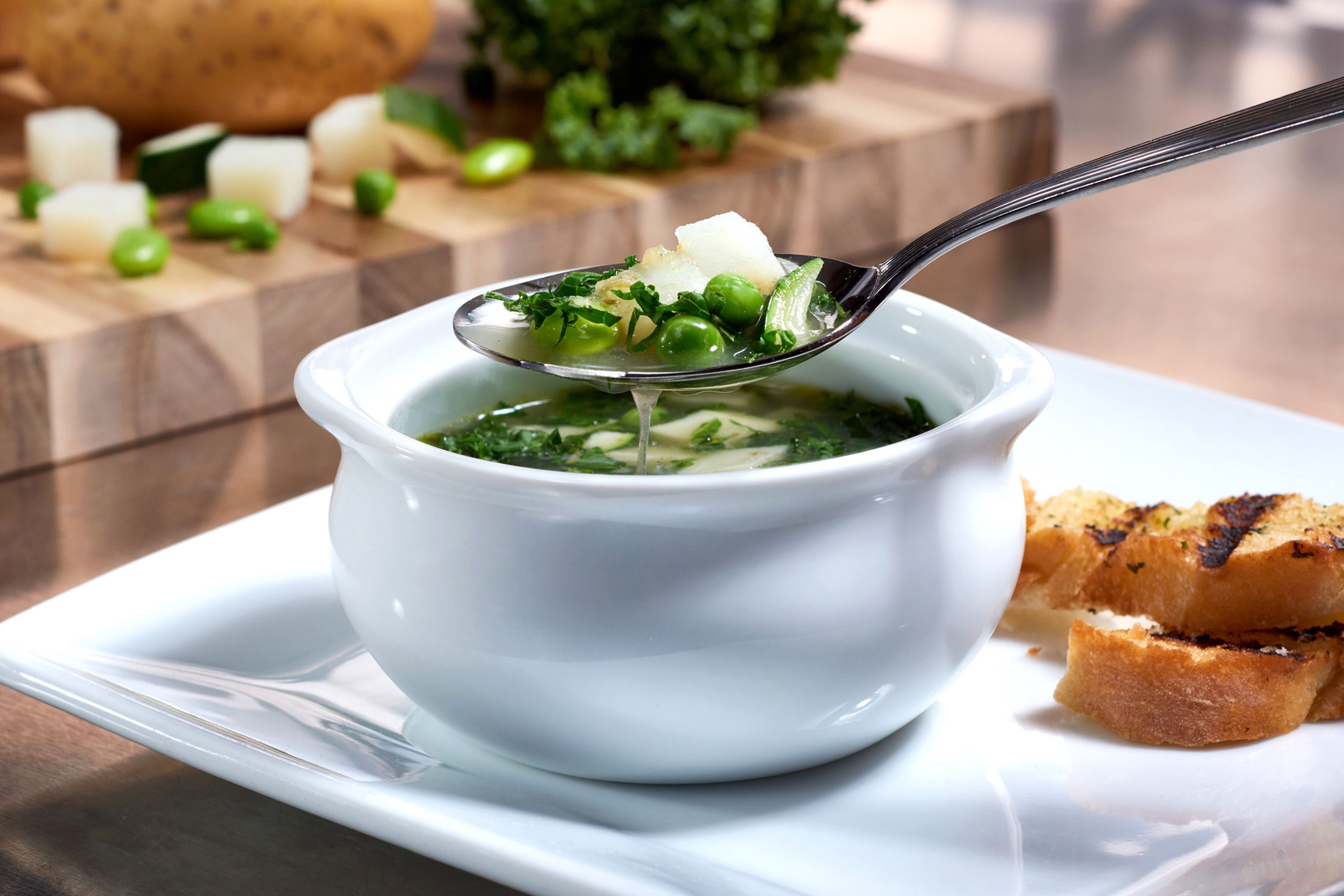 aaronvan_food_photography_ruths_chris_summer_soup