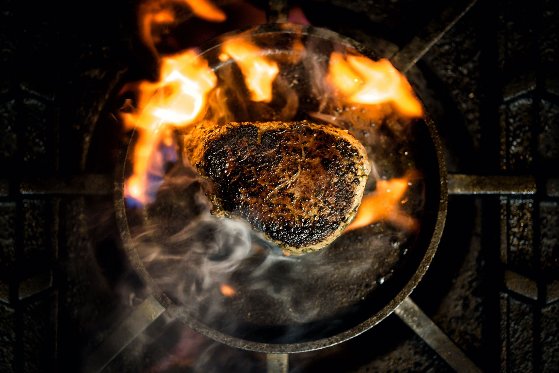 aaronvan_food_photography_steak_fire