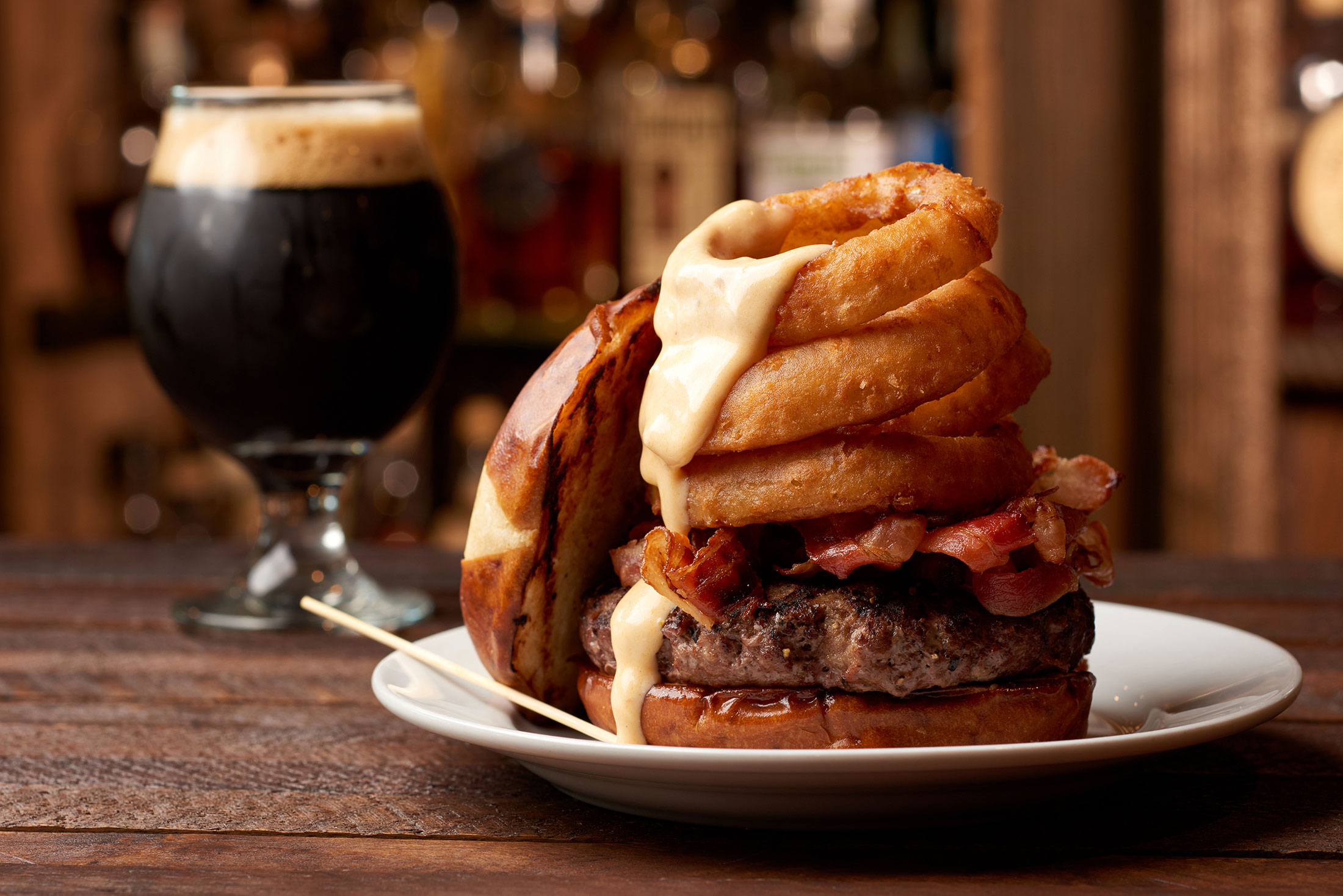 food_photography_orlando_the_whiskey_sand_lake_burger_drunk_bison