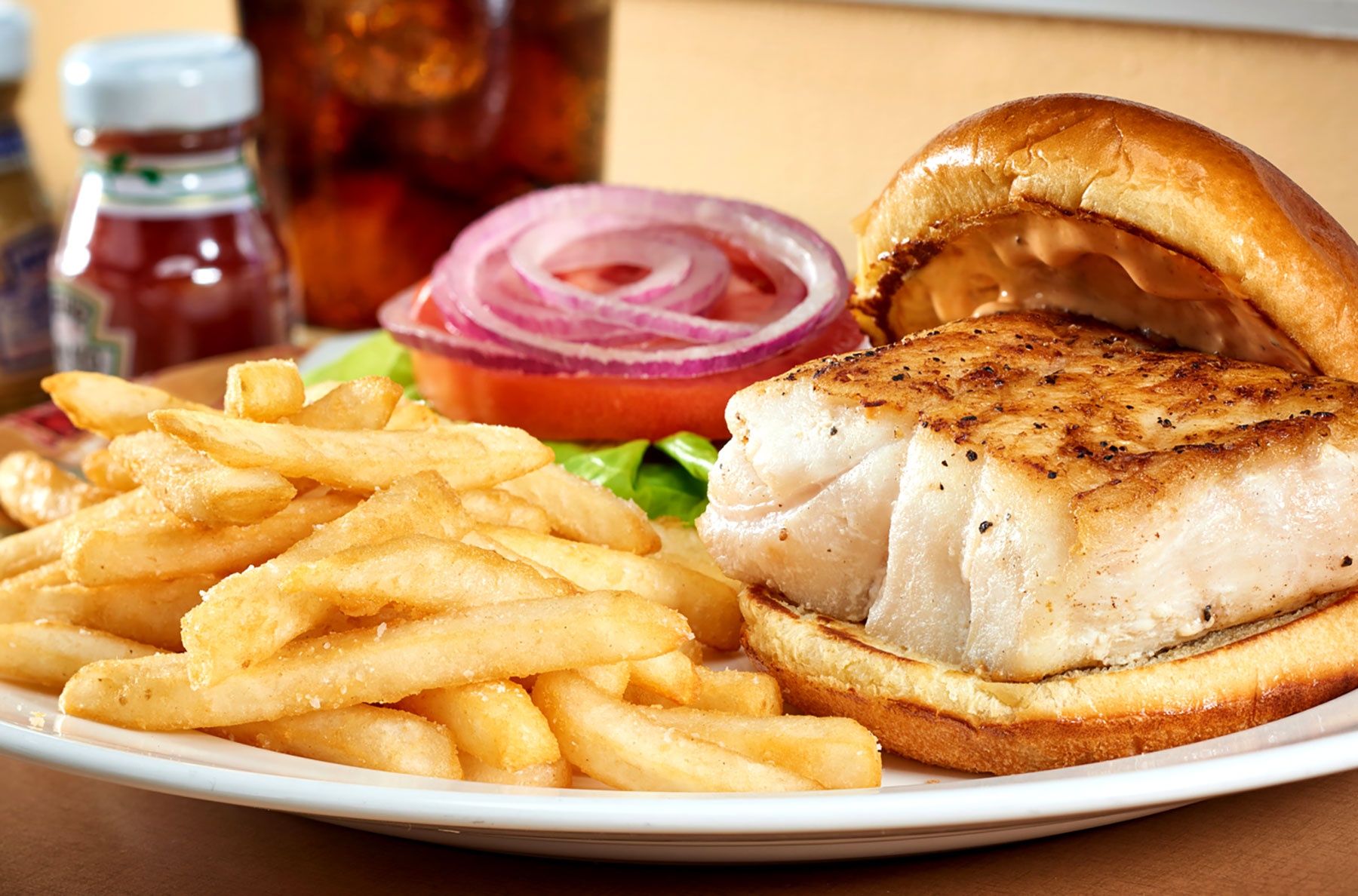 food_photography_rosen_hotels_orlando_cafe_matisse_grouper_sandwich